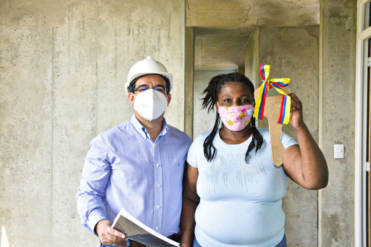 160 familias que vivían en zona de riesgo de Cali empiezan a ser reubicadas de manera gradual por el Fondo Adaptación